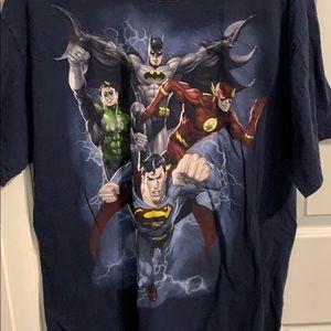 DC Justice League size XL shirt